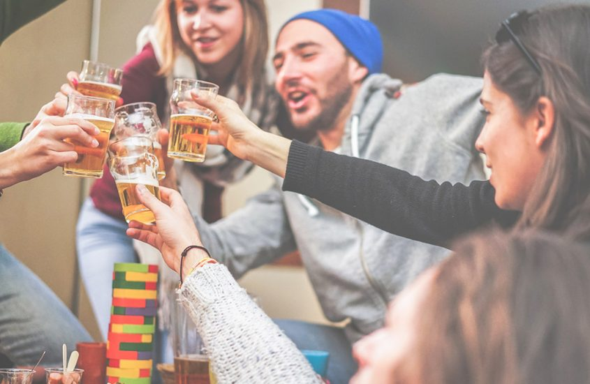 Beer games: 5 options for having fun and socializing anywhere
